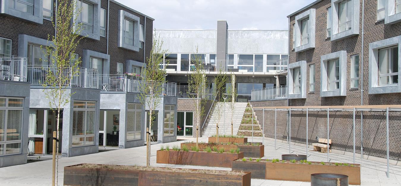 EUD A/S har stået for projektudvikling og opførelse et retail center med erhvervslejemål. Et byggeprojekt, der er oplagt til ejendomsinvestering.